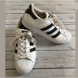 Adidas Men's Superstar Low Cut Sneakers